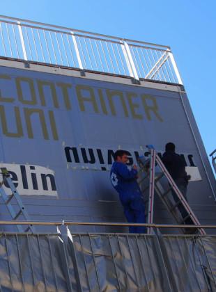 containerUni